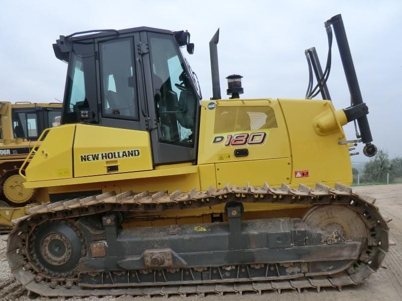 Бульдозер New Holland D180 технические характеристики