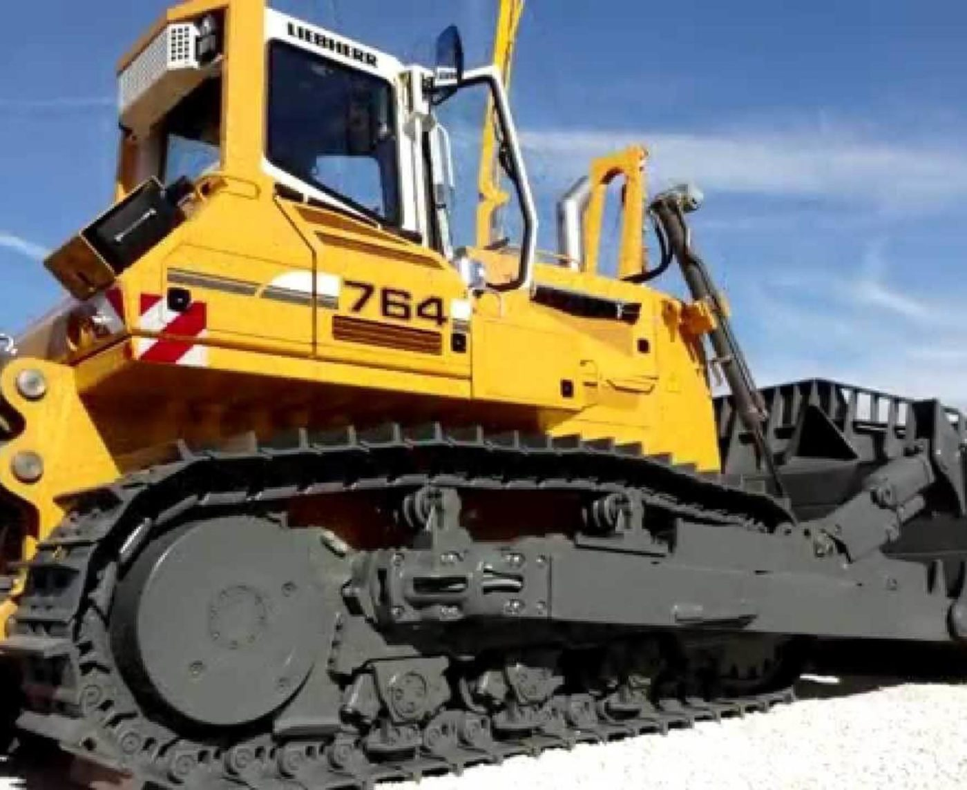 Бульдозер Liebherr PR 764 L технические характеристики
